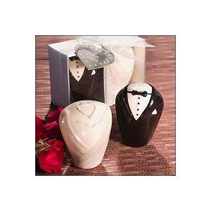 Bride and groom saltcellar + Pepper